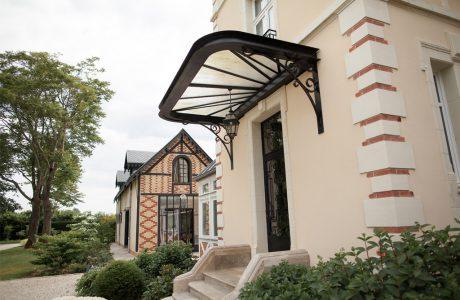 Comme Un Trait Architecture réhabilitation d'une bâtisse Anglo Normande habitation maîtrise d'ouvrage Yvré l'Evêque Sarthe l'Huisne Sarthoise particulier escalier pierre brique marquise ferronnerie bois menuiserie acier