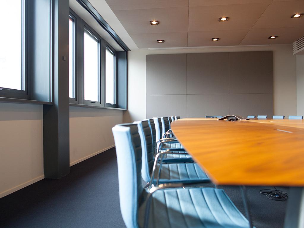 salle de conseil salle de r union comme un trait l 39 architecture int rieure la ma trise d 39 uvre. Black Bedroom Furniture Sets. Home Design Ideas